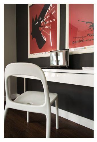 Interiores departamento en blanco y negro 13