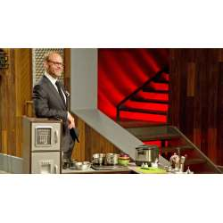 Small Crop Of Cutthroat Kitchen Host