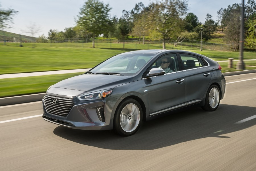 Toyota Prius owners  Hyundai will give you  1 000 to buy an Ioniq Hybrid