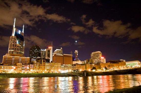 2014-06-24-Nashville_skyline.jpg