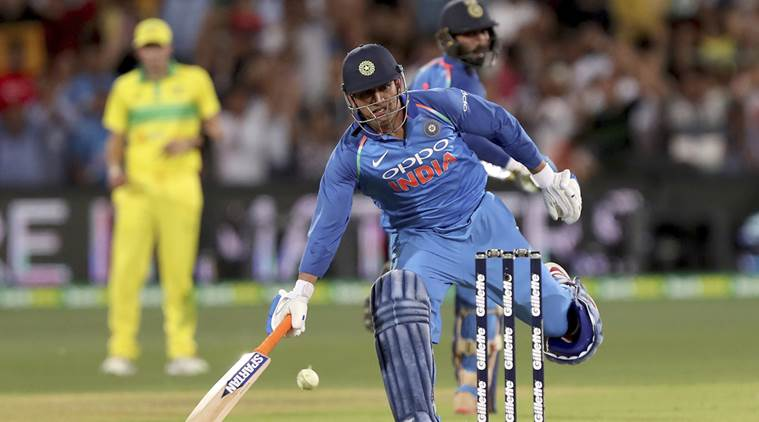 WATCH: MS Dhoni's 'illegal run' spotted by Adam Gilchrist ...