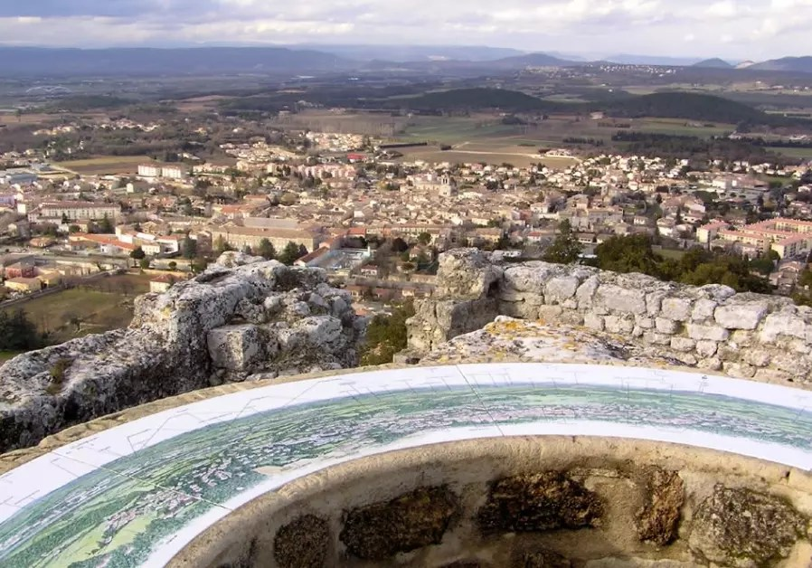 Archaeologists may have found an ancient mikve near Marseille     Archaeologists may have found an ancient mikve near Marseille