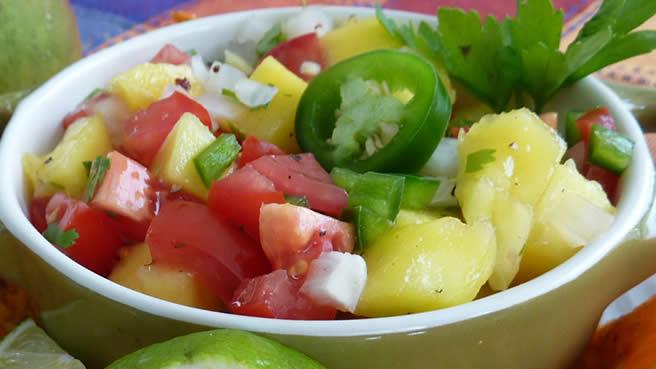 Paleo Spiced Beef on Pita Triangles With Fresh Mango Salsa