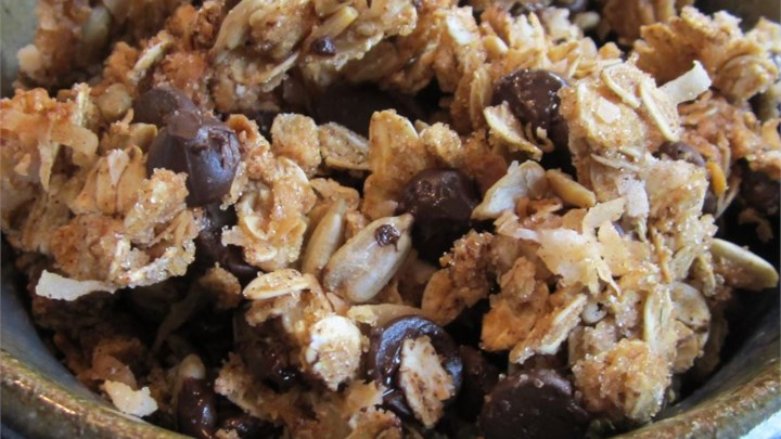 Paleo Crunchy Peanut Butter, Chocolate, Coconut Granola