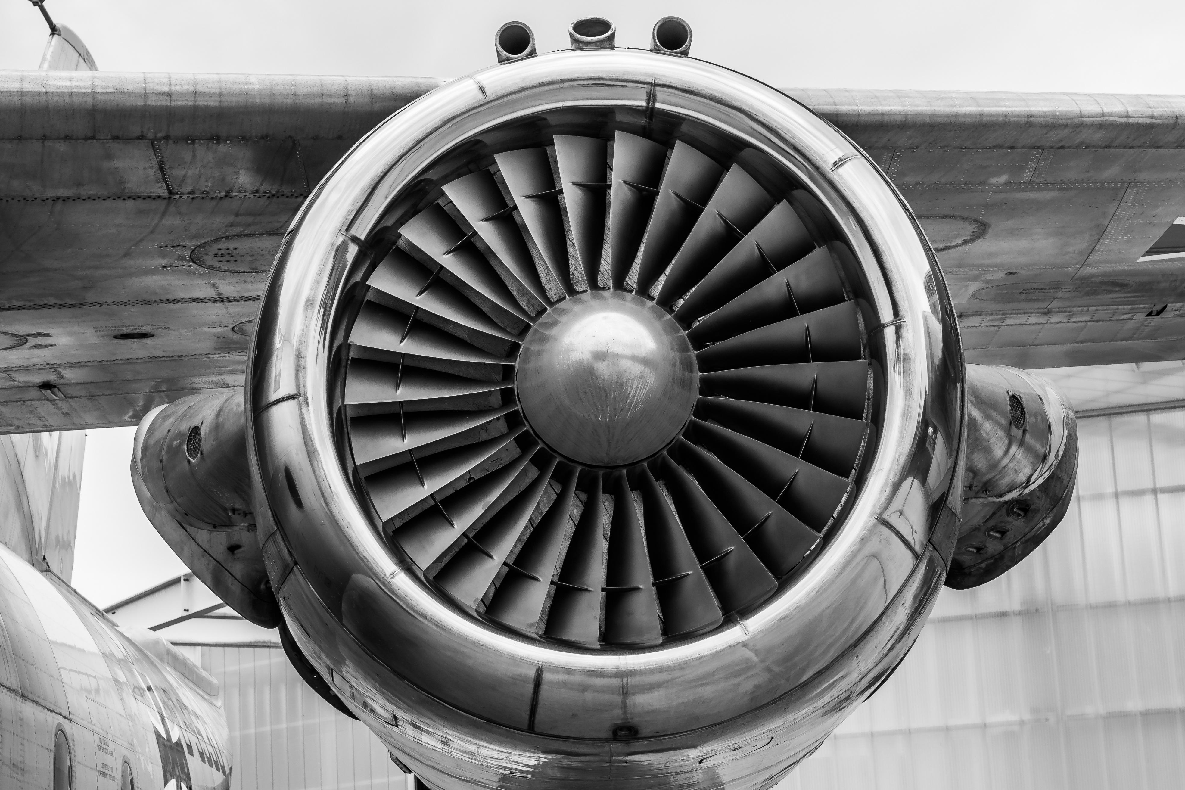 500+ Beautiful Aircraft Engine Photos · Pexels · Free Stock Photos