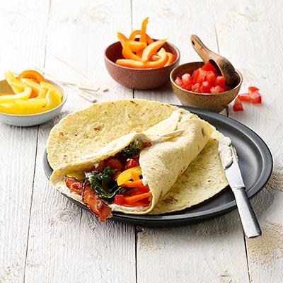 Philadelphia - Recipe - Grillsalat Wrap mit Philadelphia Jalapeño, Bacon-und knackigem Gemüse