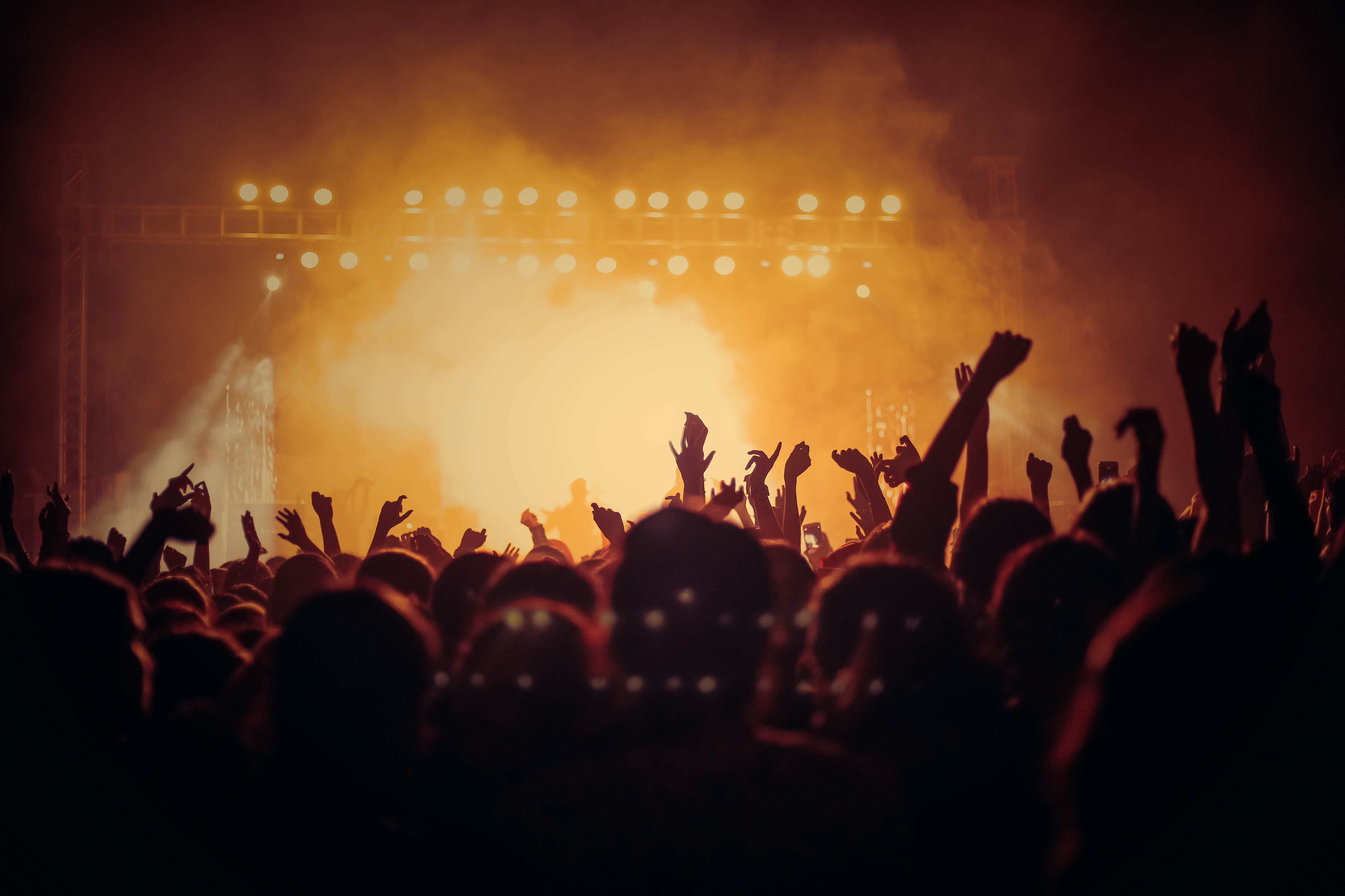 Concert Pictures  HQ    Download Free Images on Unsplash band performing on stage in front of people