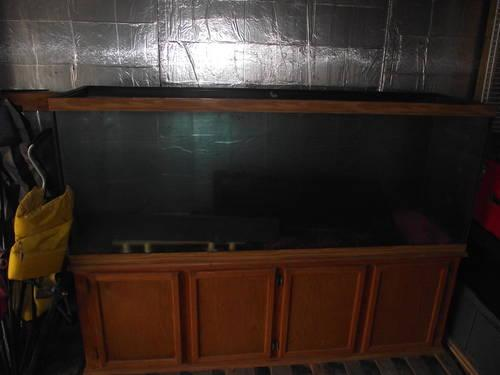 clean 150 gallon fish tank, and stand for Sale in Albion, Illinois