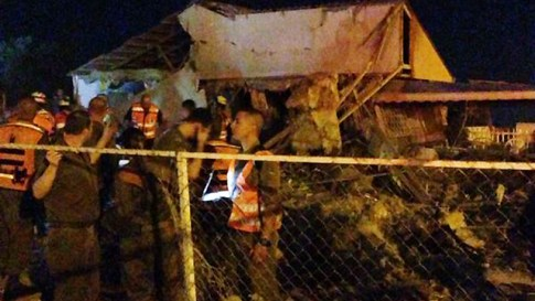beersheba home destroyed in rocket attack