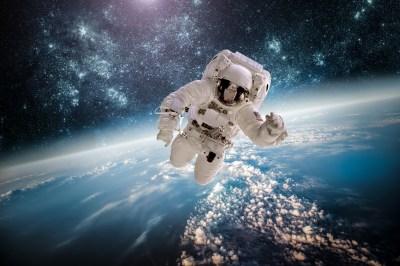 Astronaut 5k Retina Ultra HD Wallpaper | Background Image | 6000x4000 | ID:588604 - Wallpaper Abyss
