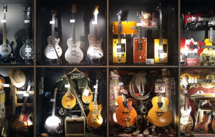 Imaginary Karin - Guitars museum Umeå