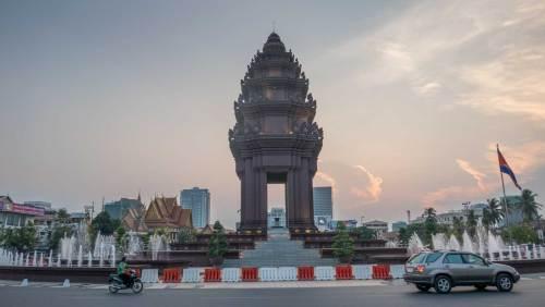 Phnom-Penh-independence-monument-web