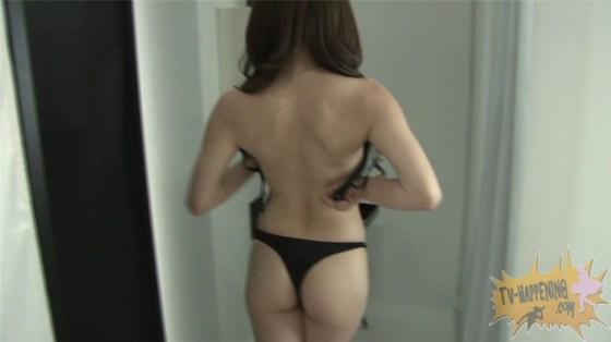 【お宝エロ画像】ケンコバが大根抜きゲームやってて美女のズボン脱がしまくってTバックのお尻が丸出しになってるw 46