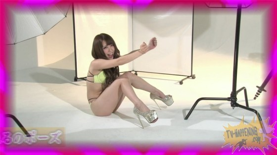 【お宝キャプ画像】ケンコバのバコバコTVに出てくる下着姿の美女のオッパイとお尻がエロいw 24