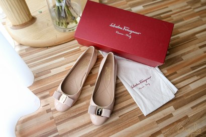 【精品】氣質優雅的Salvatore Ferragamo Varina平底鞋裸色C楦❤試穿報告