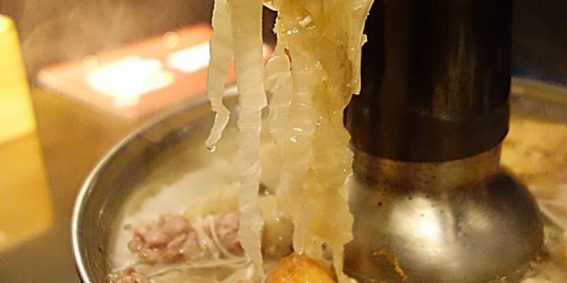 【彰化員林】老瀋陽酸白菜火鍋(員林店);冬天火鍋另一種選擇,炭燒加溫酸菜白肉鍋,微酸鹹香好滋味!