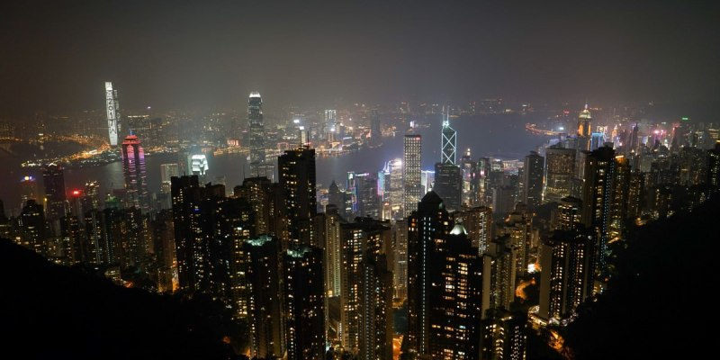 香港四天三夜自由行行程規劃|機場交通、香港上網遠遊卡、簽證申請、迪士尼門票、山頂覽車門票。四天三夜豐富行程推薦。