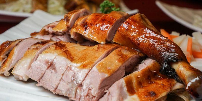 富爺婚宴館|彰化宴會餐廳推薦,獨家招牌燒鵝、手工水餃、蔥油餅,多樣精緻古早味佳餚,滿足饕客味蕾。