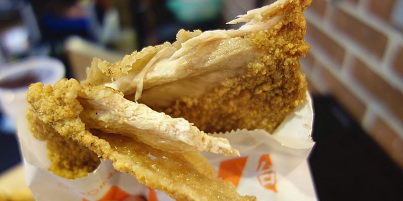 【彰化員林】炸擱來鹹酥雞;吃了還會一直再來的美味鹹酥雞!員林超人氣鹹酥雞店,大推薦超鮮嫩大塊平價雞排。
