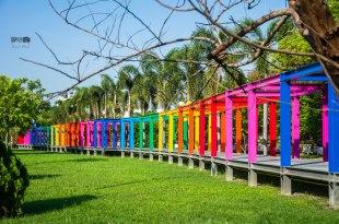 |台南景點|超萌不二良小鼠公仔,還有超好拍的繽紛彩虹長廊,新營美術園區