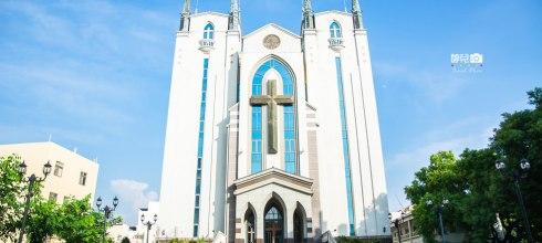|高雄景點|鳳山基督長老教會,隱藏在街道巷弄裡的城堡