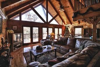 Cozy Living at Livin' Lodge in Sky Harbor TN