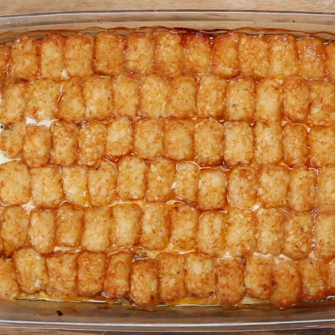 Comfy Tater Tot Breakfast Bake Recipe By Tasty Tater Tot Egg Casserole Crock Pot Tater Tot Egg Casserole Tasty nice food Tater Tot Egg Casserole