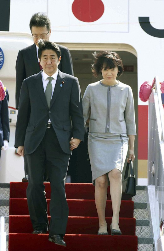 Japan's Abe Shinzo and Abe Akie.