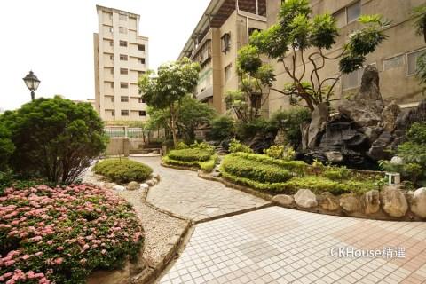 板橋京都 創意挑高庭園一樓