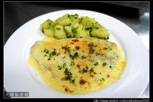 [西餐]主菜類 乳酪奶油焗鱸魚排附水煮馬鈴薯