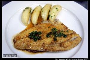 [西餐]主菜類 煎鱸魚排附奶油馬鈴薯
