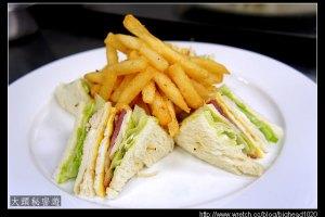 [西餐]三明治類 總匯三明治附薯條