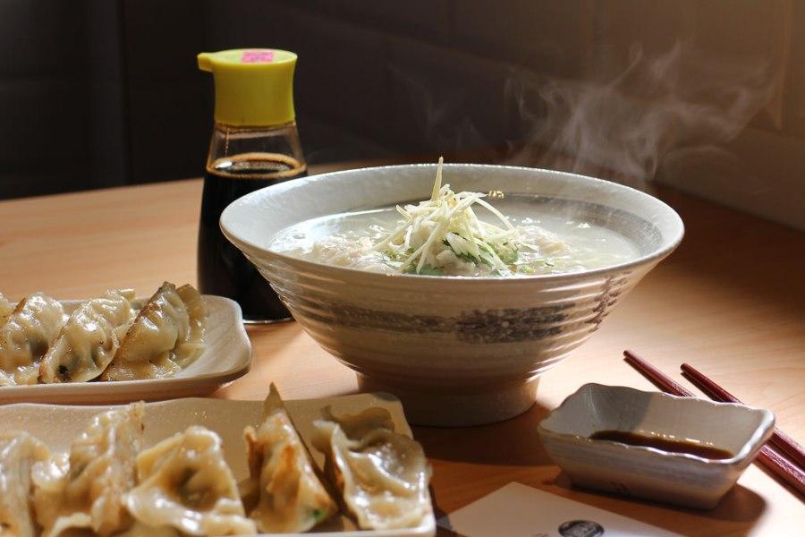 台南 傳統小吃也可以舒適用餐,繼承傳統美味,創造更好用餐環境的新店家 台南市中西區|小ㄚ鳳浮水魚焿