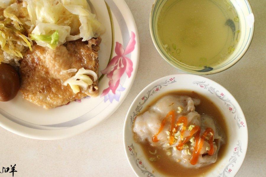 台南 Q滑彈嫩的肉圓外皮x帶有嚼勁不老柴的紮實肉餡,排骨飯酸菜超涮嘴 台南市中西區 正記肉圓大王