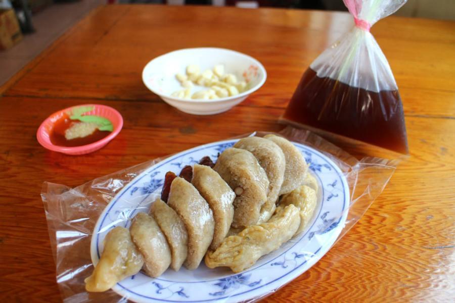 台南 永康下午點心吃什麼?來個炭香十足的台式下午茶! 台南市永康區|阿樂香腸大腸甜不辣
