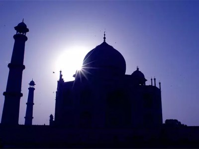 Explore your adventurous side & attend the Taj Balloon Festival in Agra - The Economic Times