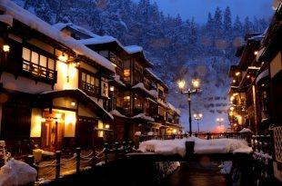【一個人旅行】東北賞雪☃ 大雪紛飛的銀山溫泉 被雪打臉也要浪漫散步