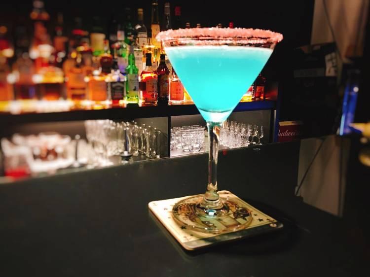 ROUND 4 Bar 》 台北中山國中捷運站酒吧 | Zhongshan District Bar