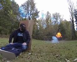 【衝撃映像:お宝】飛行機に持っていけるもので爆弾が作れる!?