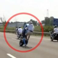 【クラッシュ】バイクウィリー走法で調子に乗った結果・・・