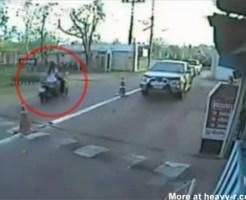【クラッシュ】女性バイカーが一瞬にして粉々に・・・