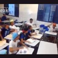 【いじめ映像】過激なオタクいじめ・・・生徒全員が本を投げ、教師は笑うだけ・・・
