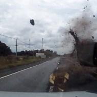【衝撃映像】転がってきた車を神回避する映像の迫力がヤバいw