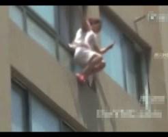 【閲覧注意】救命クッションを膨らませてる途中で飛び降りた少女の末路・・・