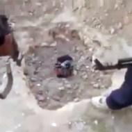 【イスラム国】ISISがスパイを発見→両手両足を縛って生き埋め・・・ 動画有り