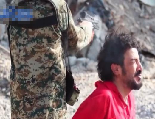 【グ●動画】少年「初めて人を殺したのは10歳の時です」 ISIS少年兵の処刑執行が容赦無い・・・