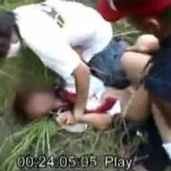 【日本人レイプ】逃げる女子○生を捕まえて男2人で犯すガチレイプ映像・・・