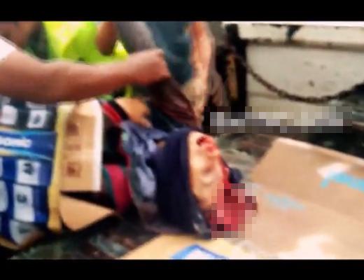 【グロ動画】トラックに荷物積んでると思ったら頭が二つになった女性だった・・・