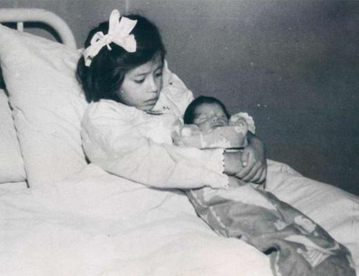 【ロリ朗報】5歳で出産した世界最年少のお母さんが発見される