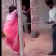 【衝撃映像】縛り付けた女をひたすら棒で殴るだけの簡単なお仕事・・・